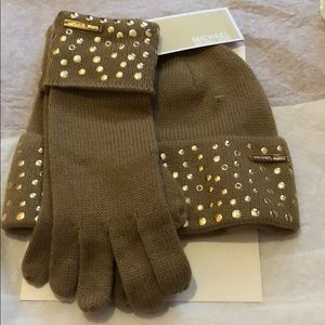 Michael Kors hat and glove set new in box